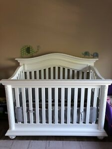 White Crib with Grey breathable bumper