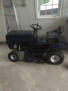 Tracteur à gazon de marque colombia