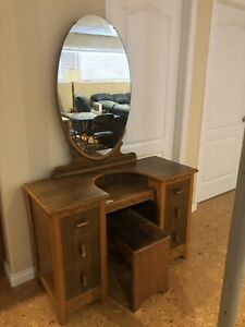Vintage Make up table