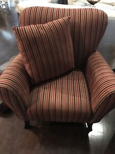 Chairs (lounge)