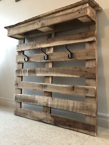 Beautiful rustic entry way coat hanger