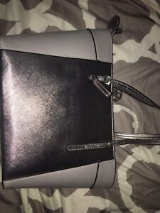 2 guess purses for sale