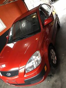 2009 Kia Rio 5-speed only 37,000 kms certified