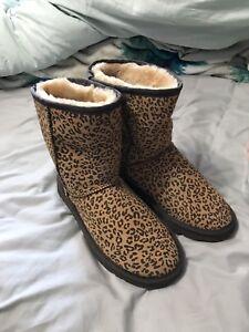 168526f1423f4 Women s cheetah print boots size 9