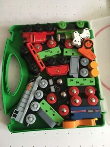 EXCELLENT CONDITION: Thomas Trains + Wooden Animals