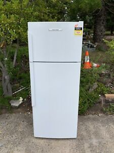 Fisher&paykel 400L fridge new likes