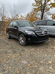 2009 Tiguan - 6 speed manual - with winter tires