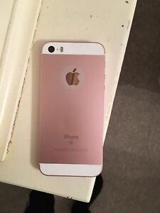 Rose gold iphone SE + screen protector & black otter box case