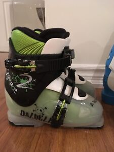 Kids Unisex Downhill Ski boot , 21.5 ( size 3)