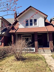 Full Detached House for rent Near Eglinton and Yonge