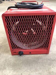 DAYTON Portable Electric Heater