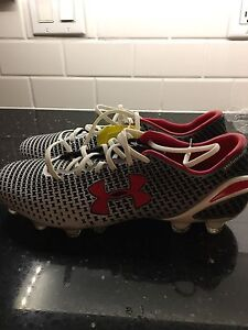 Men's size 9 soccer shoes