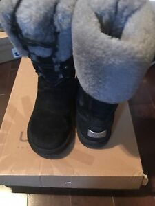 Women's uggs size 7