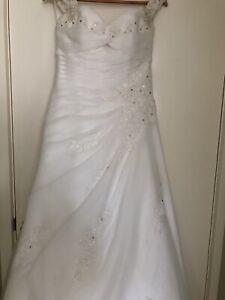 Wedding dress for sale. Must go!! Queanbeyan Queanbeyan Area Preview