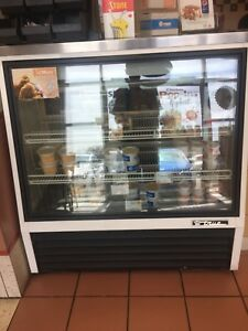 TRUE TSID-48-2 Bakery/salad display fridge