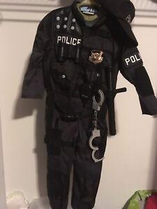 Costume policier 5-6 ans du Costco
