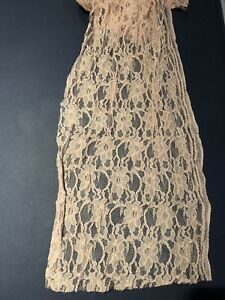 Lace for table runners