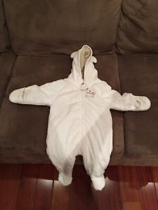 Unisex White Snowsuit. Size 6 months, like new condition!!