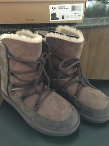 Ladies Ugg Lodge boots size 8