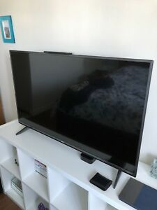 "49"" LG 4K UHD TV, in great like new condition"