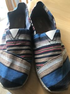 Brand new TOMS SIZE 13