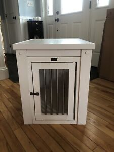 Ecoflex Dog crate/end table