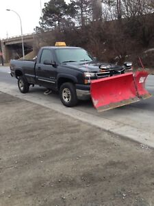 Chevy Silverado 2500 HD 4x4 Reg Cab 8ft Boss V Plow