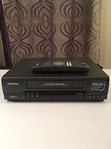 Samsung VCR / VHS Player with Remote
