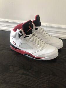 0d748344219b8d Jordan retro 5 s (fire reds) size 11.5