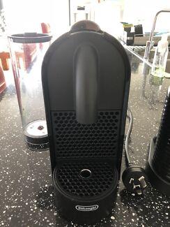 Delonghi Nespresso Coffee Machine Plus Milk Frother