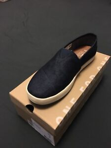 Mens Toms Avalon shoes size 8 brand new