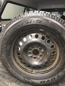 Pneus d'hivers sur roues Toyo  GSI 5 : 245/65R17