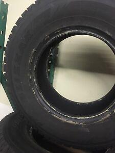 4 Bridgestone Blizzak Tires 265/70r16