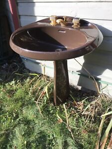 Free - Sink, brown, pedestal
