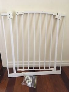 Perma baby safety gate Holland Park West Brisbane South West Preview