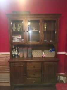 Table and Hutch set (6 chairs) (extendable table size)