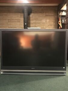 $175.   55 INCH SONY LCD CRT . MINT SHAPE WITH ORIGINAL REMOTE.