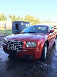 LOW KMS!!! Certified!!! 2009 Chrysler 300