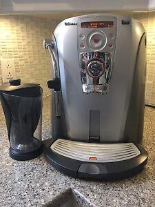 Café espresso et latte Machine Saeco