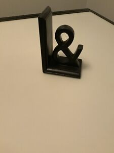 Ampersand bookend