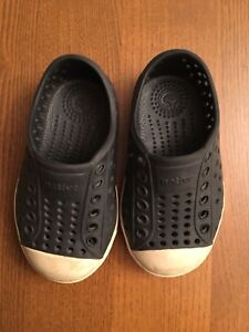 Native Water Shoes Black Toddler size 5