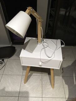 Adjustable wooden table lamp