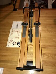 Like new : NordicTrack 505 Ski machine total body workout