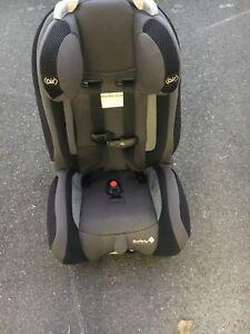 Siege d'auto bébé 5 lbs-40 lbs: 75$