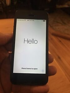 Iphone 5 10/10 condition 32g black
