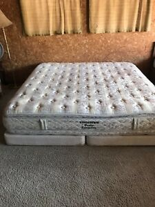 King size pillow top mattress/box spring, can deliver
