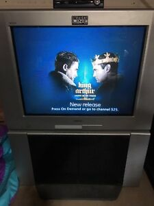 32' Sony tv with stand $25 or OBO