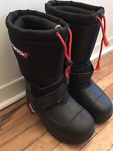 Black winter boots - Size 8 - GKS