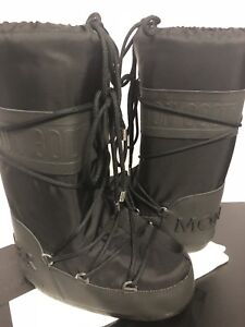 Moncler x Moon boot leather trimmed size 35-36