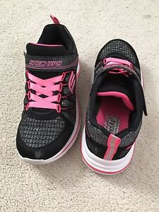 Girl's Skechers Shoes - Size 1